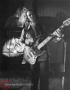 1976, Theo