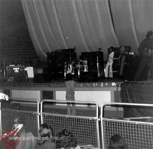 1971, live_alexandrapalaceII