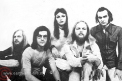 1975, promo