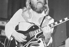 1976, Chris